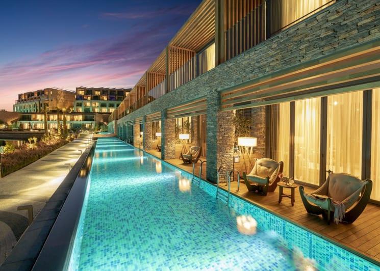 Laguna room pool 05
