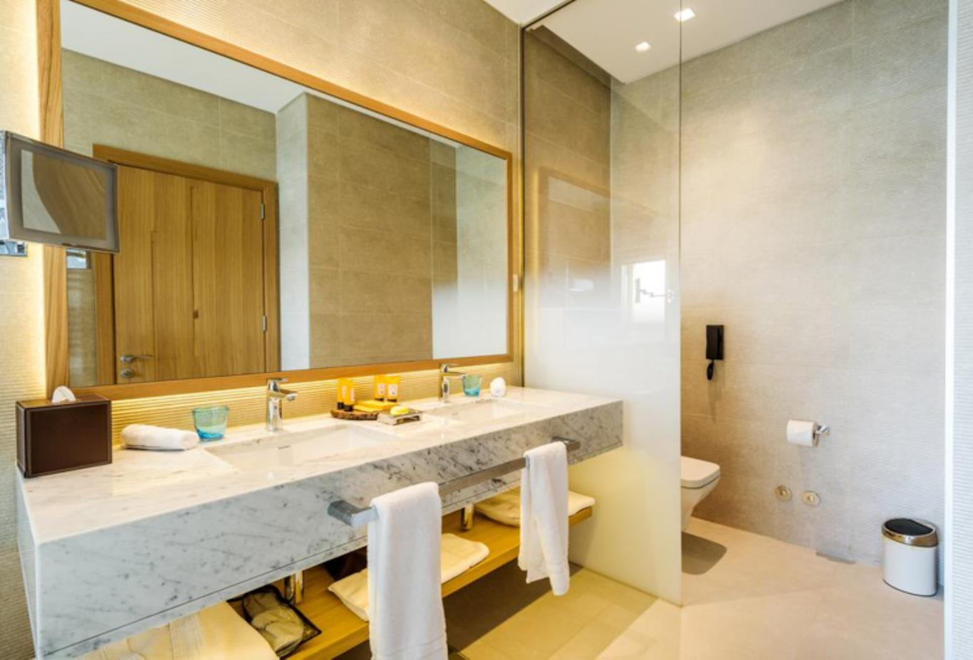 Grand Superior Room bathroom