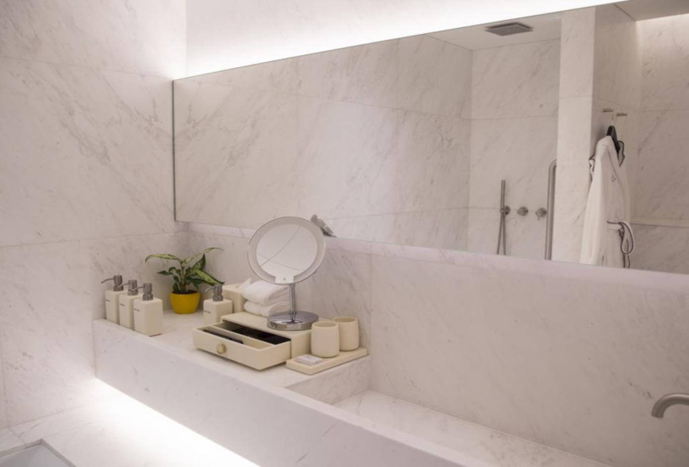 Pearl Suite bathroom 2