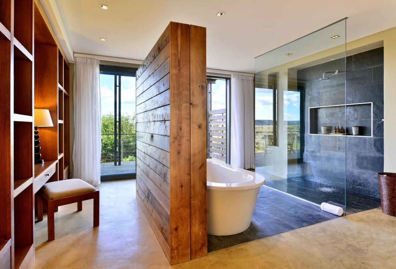 Sarili Luxury River View Bathroom