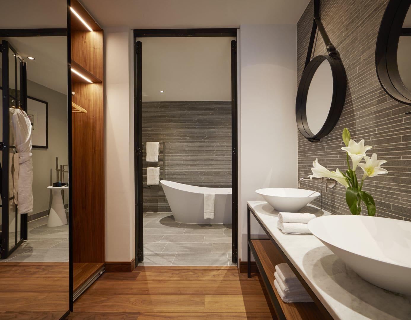 Rock Star Suite Bathroom