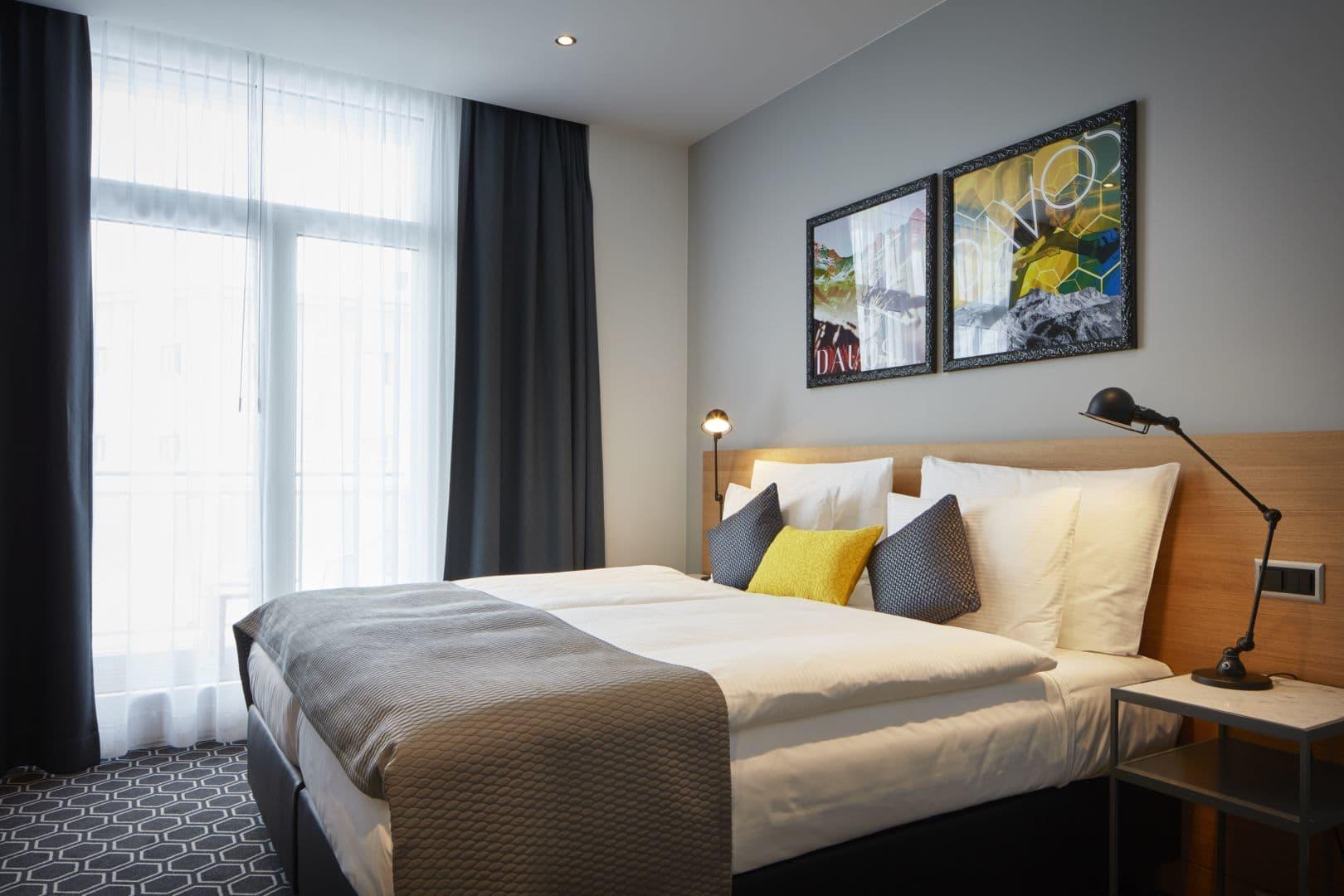 Deluxe Guest Room bedroom