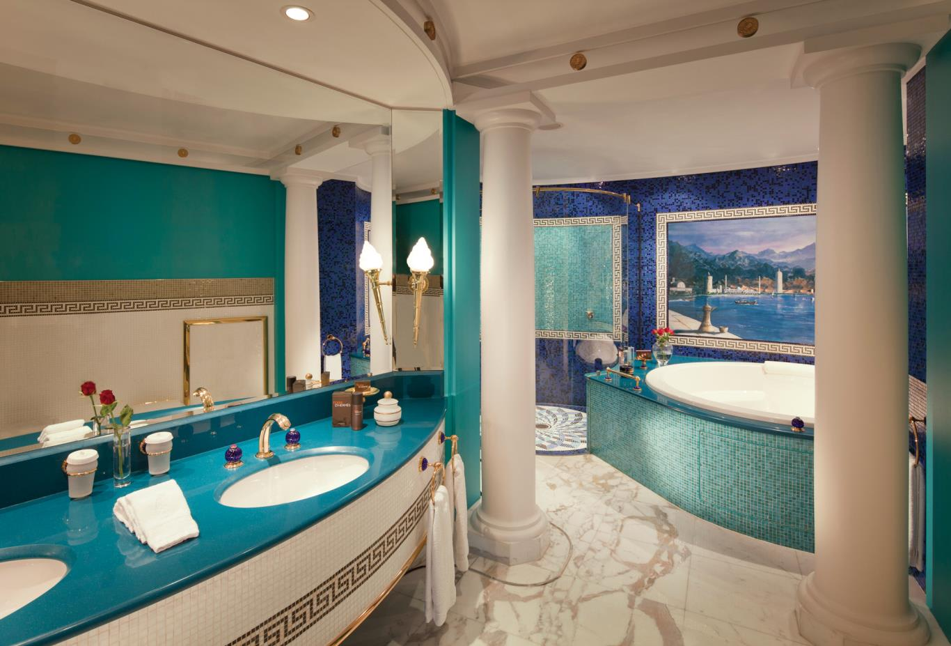 Two-Bedroom-Deluxe-Suite-luxury-bathroom-Upper-level