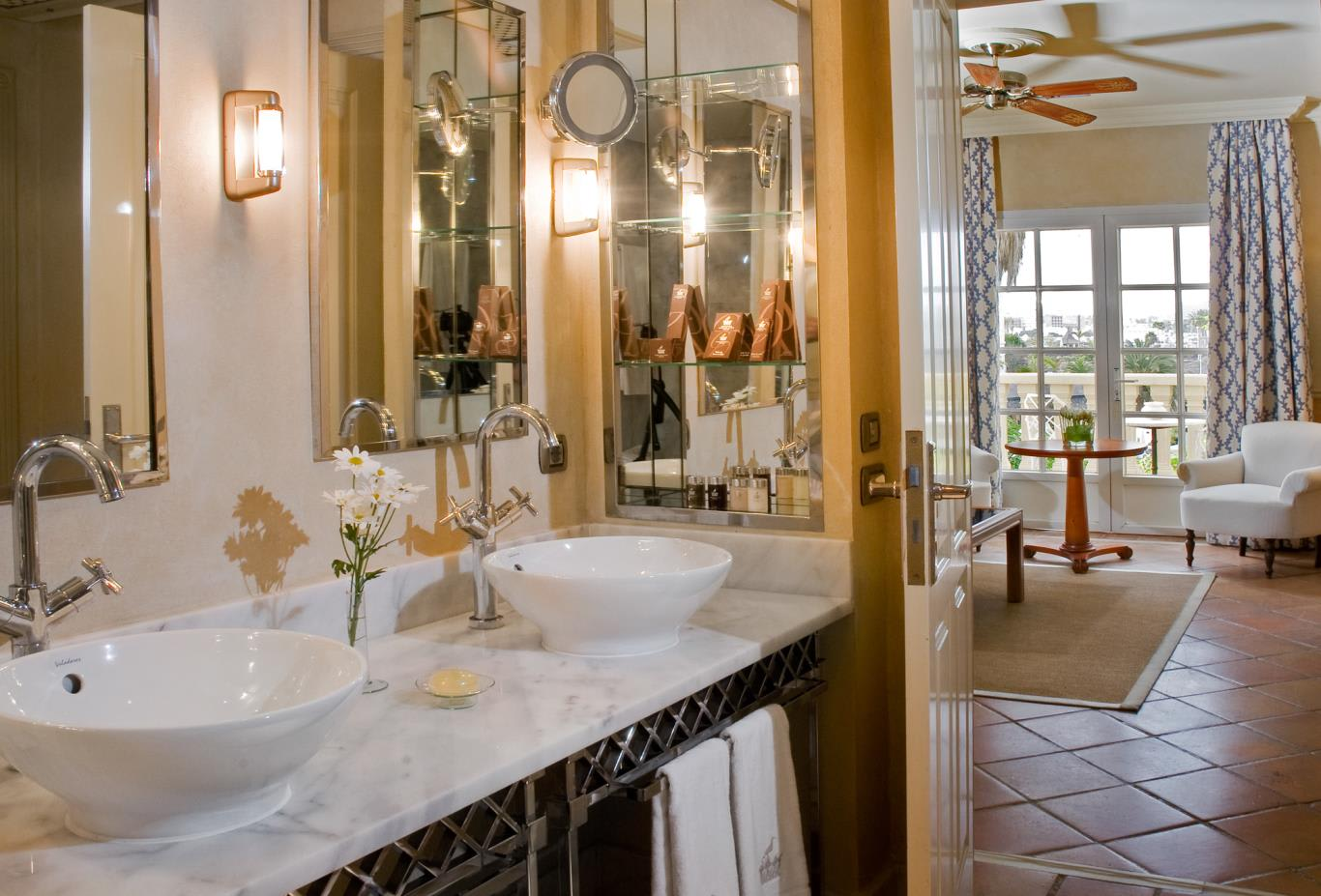Suite Casas Ducales bathroom