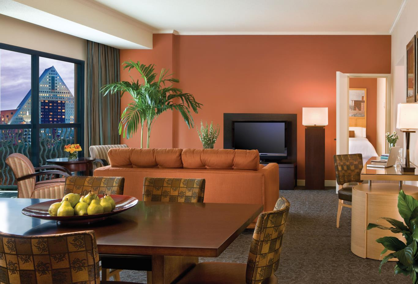Swan-Grand-Suite-With-Balcony-nws