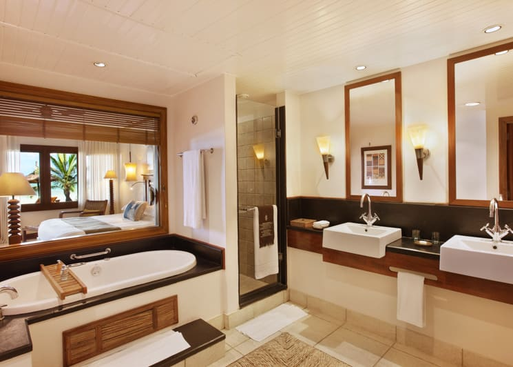 Heritage Suite bathroom