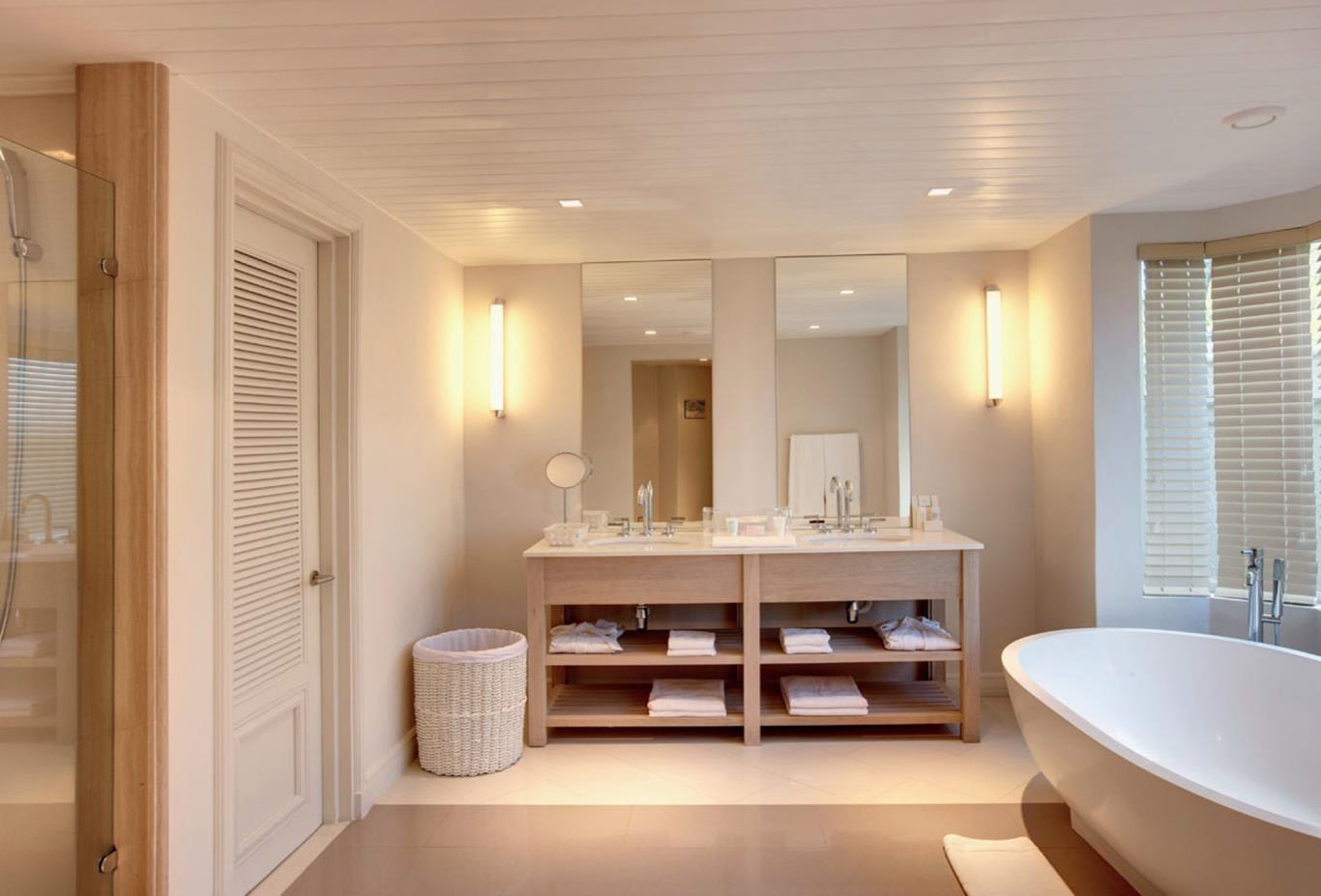Ocean Suite bathroom
