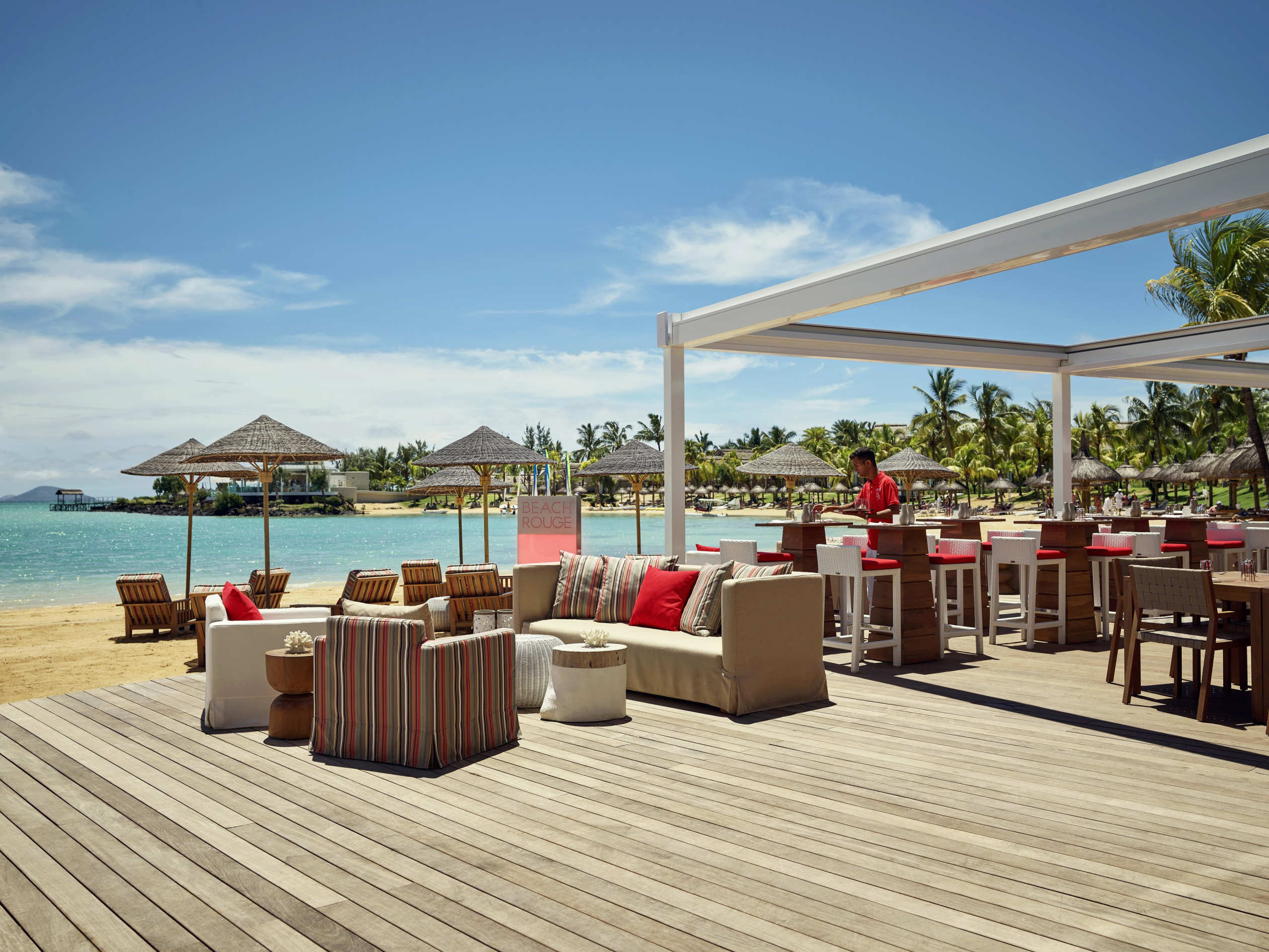 Beach Rouge outdoor seating