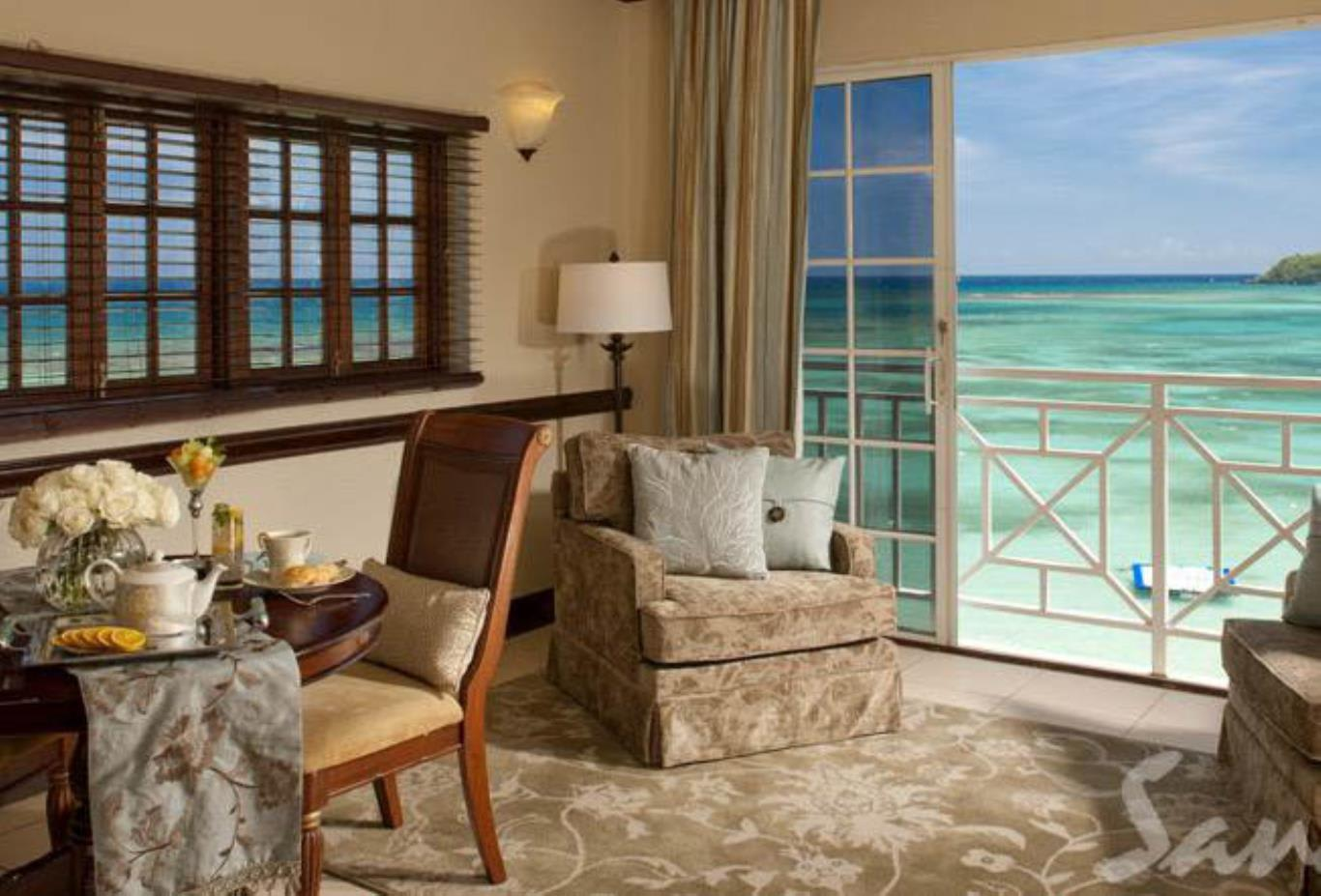 Great House Oceanfront Butler Suite - LR 2