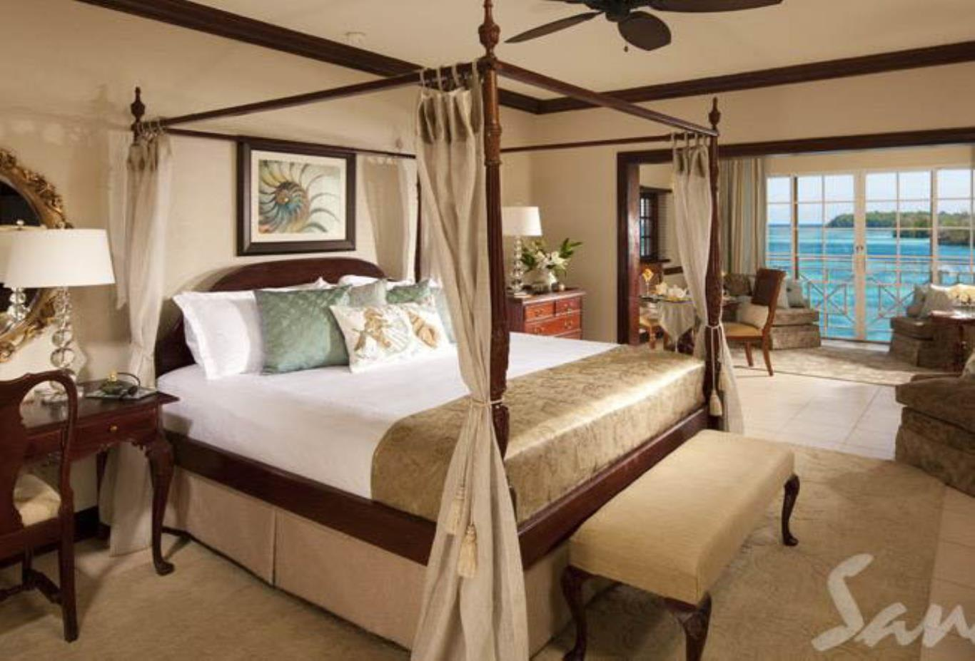Great House Oceanfront Butler Suite - LR