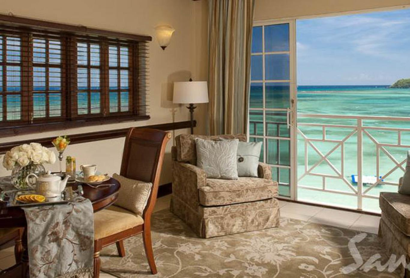 MO - Monarch Oceanfront Butler Suite