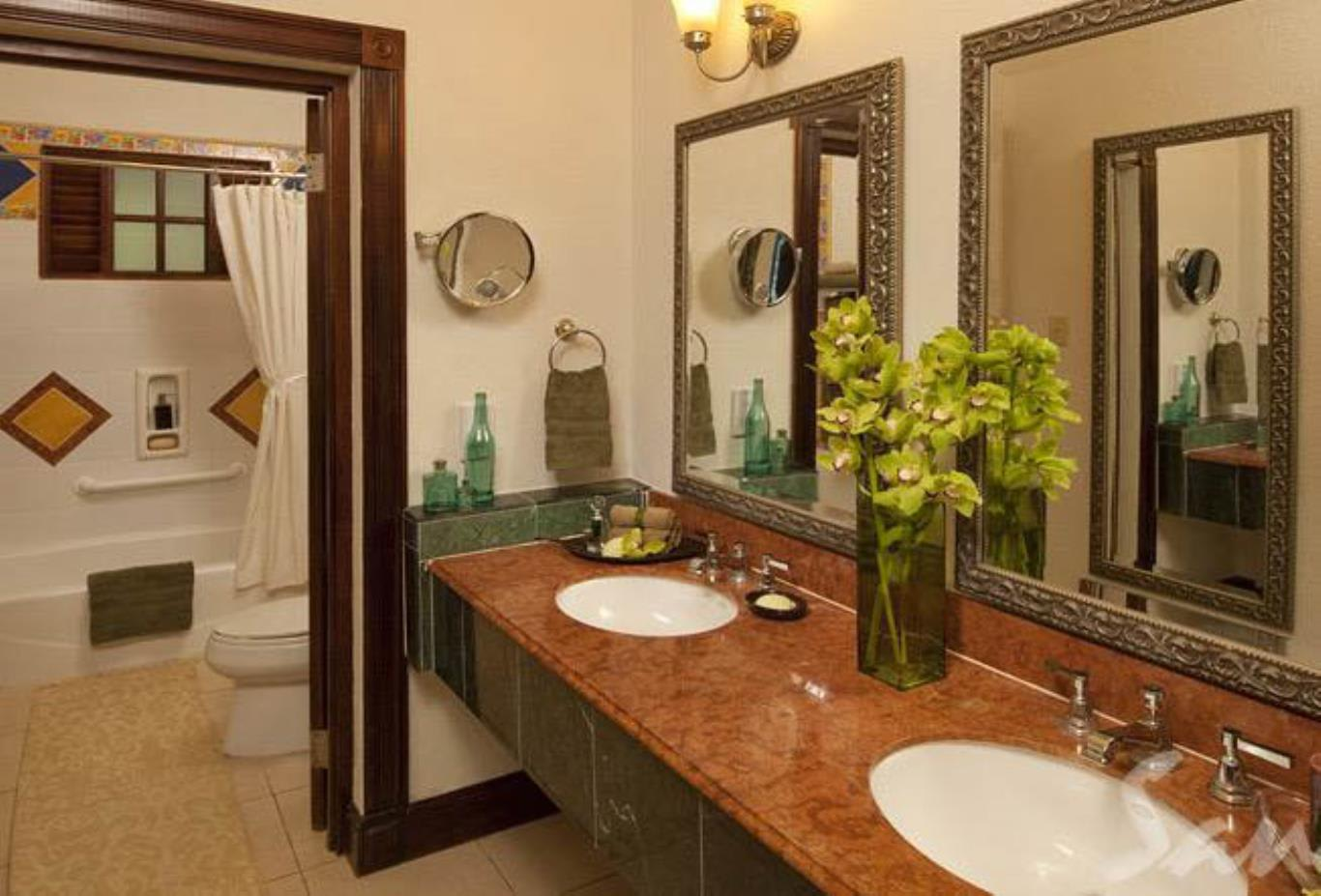 Plantation Oceanfront Butler Suite - PRR bath