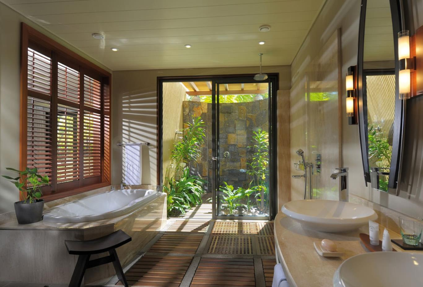 Junior Suite-Bathroom