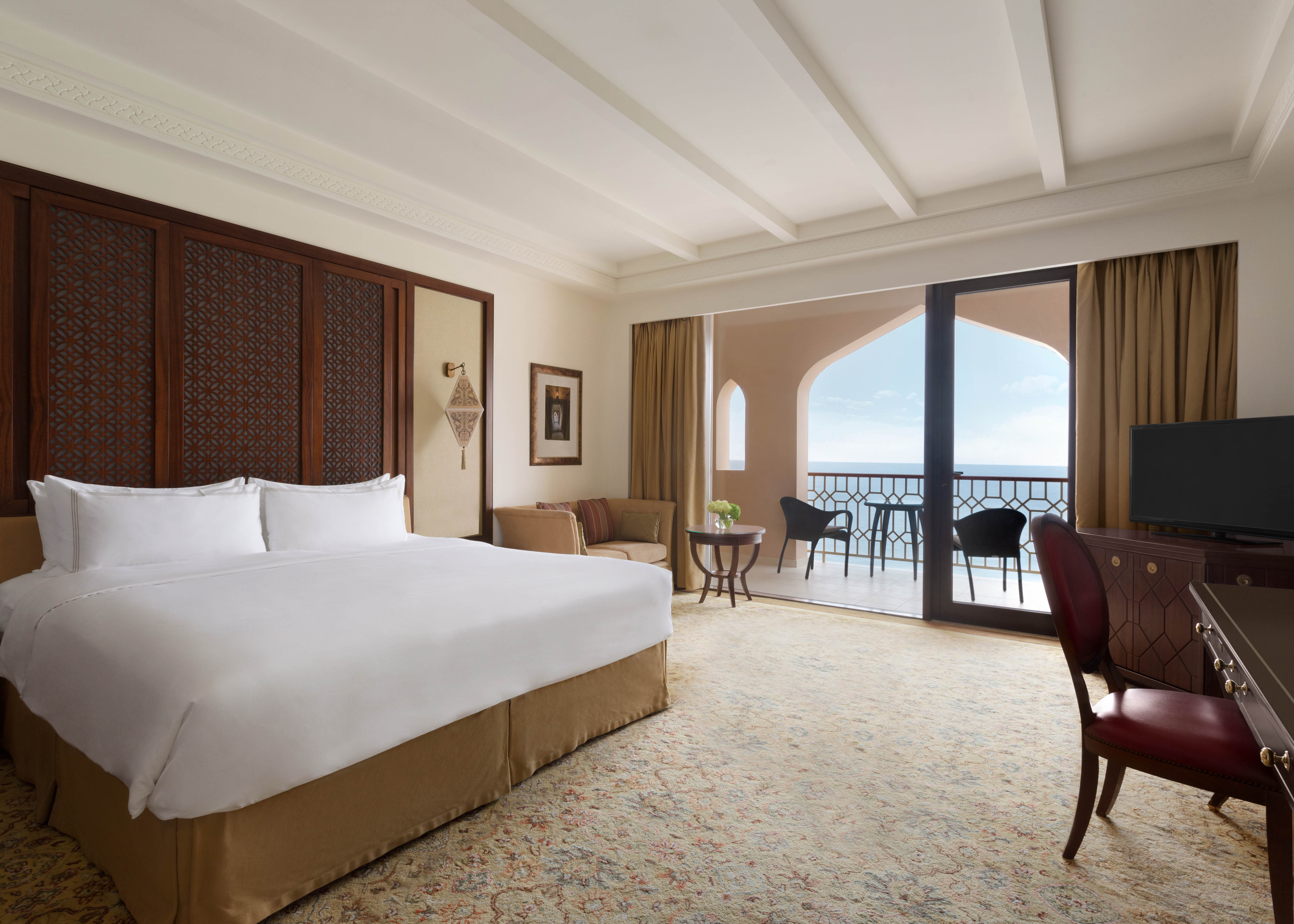 Shangri La Al Husn Resort and Spa   Al Husn Deluxe Sea View King
