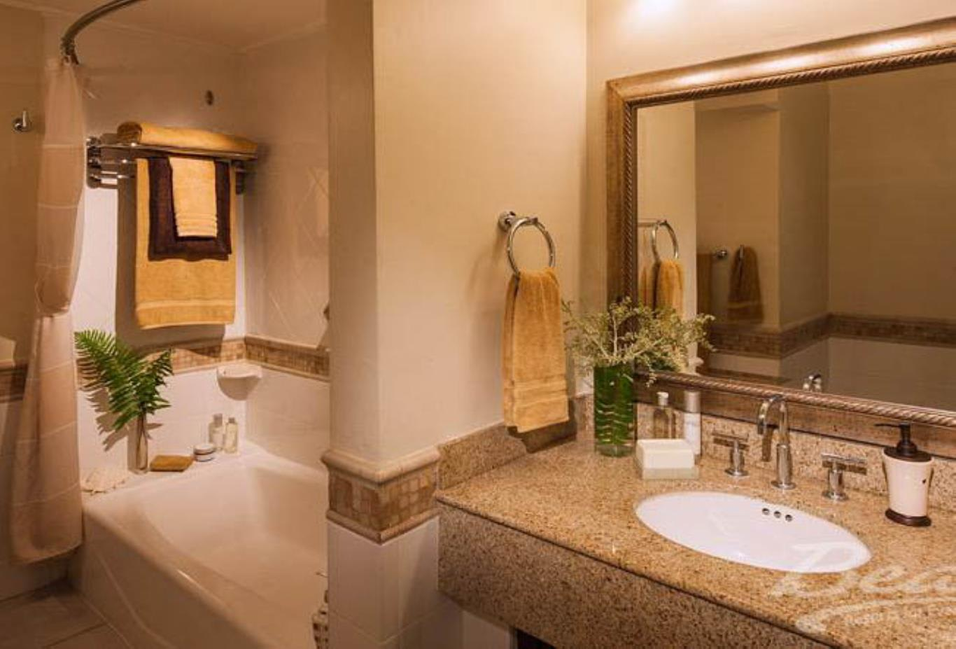 Caribbean Luxury Family Sized Suite - PK,PD Bath