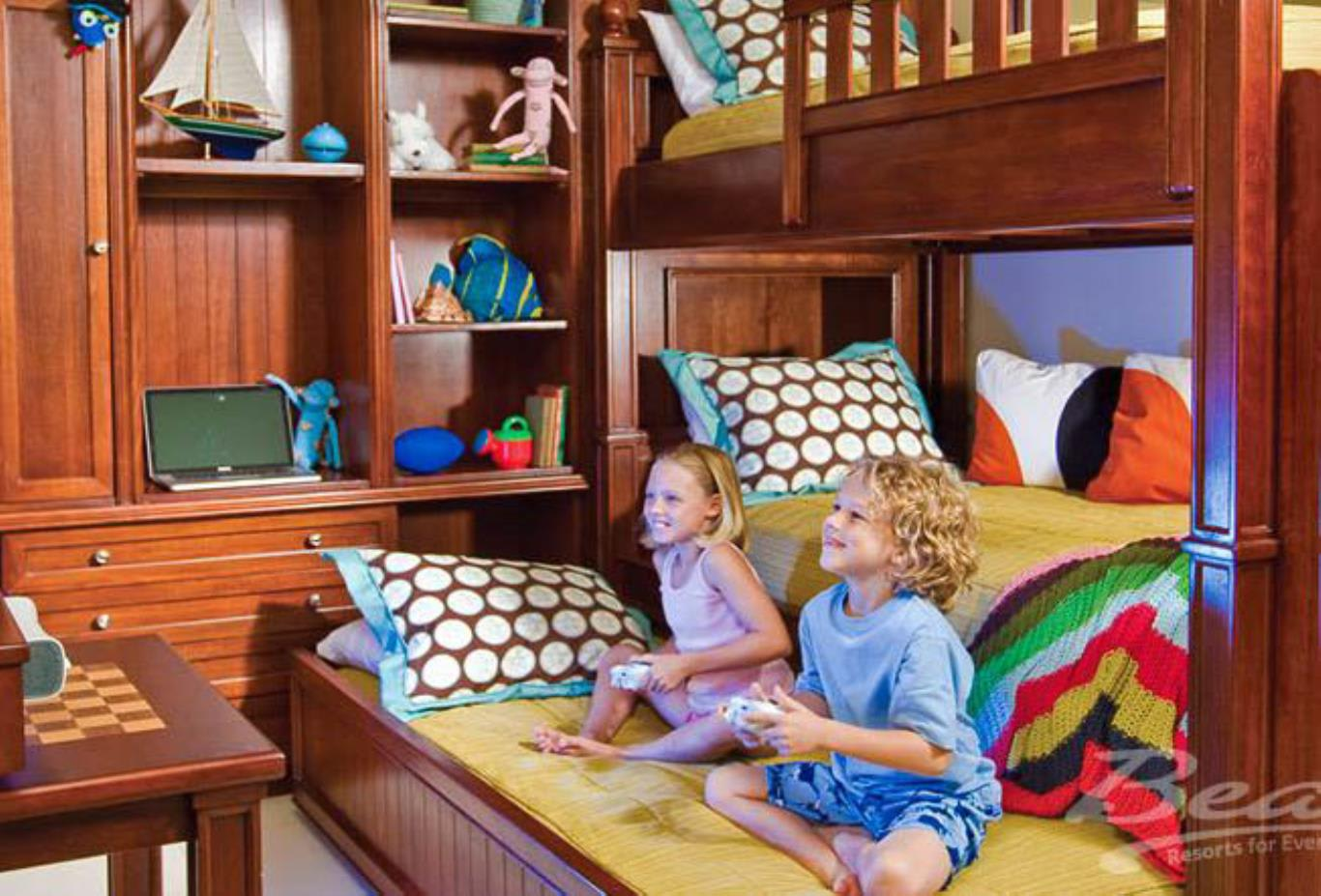 Italian Concierge Family Suite with Kids Room - V2 2