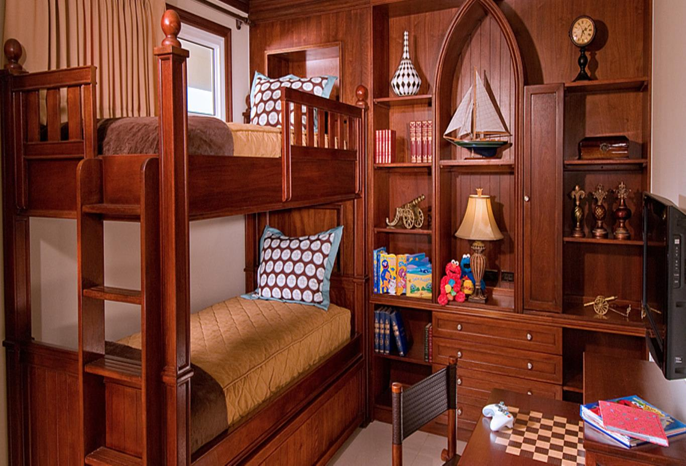 V2 kids' bedroom