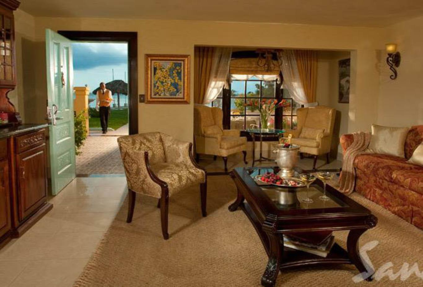 Beachfront One Bedroom Butler Villa Suite - 1B