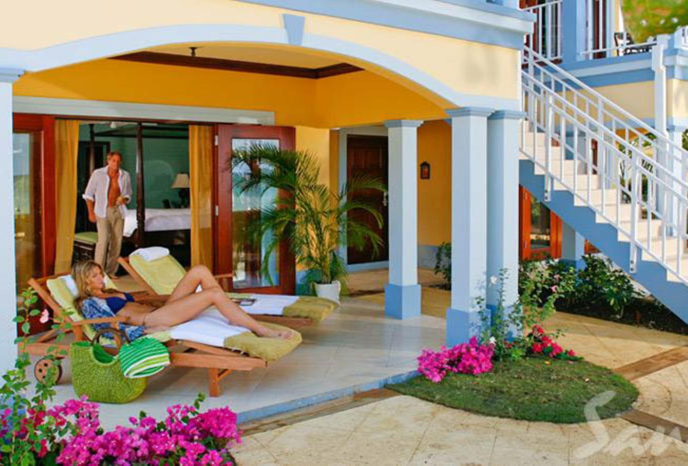 Beachfront Royal Butler Villa Suite - UB