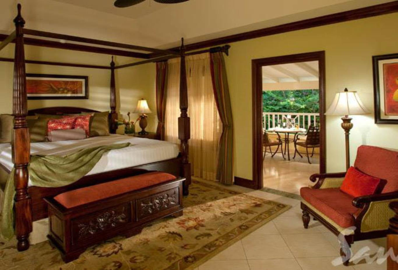 Crystal Lagoon Honeymoon Butler Suite - GR