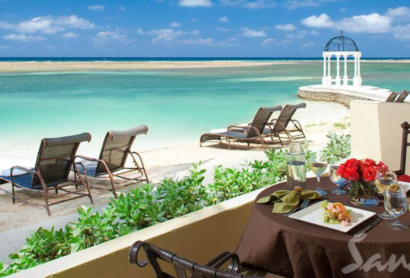 Royal Beachfront Honeymoon One Bedroom Butler Suite - HRS