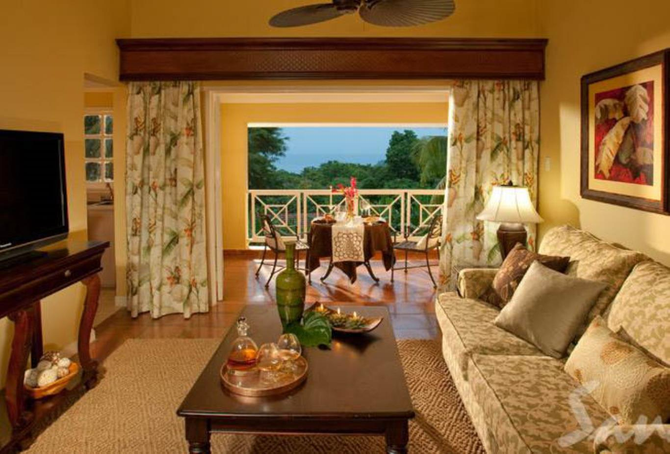 Butler Village Honeymoon Poolside One Bedroom Villa Suite - HV1