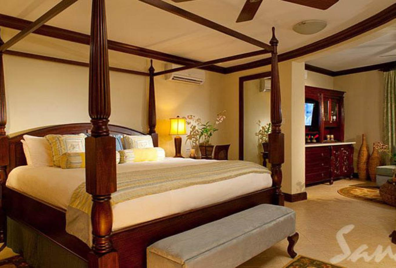 Millionaire Honeymoon One Bedroom Butler Suite with Private Pool Sanctuary - RJ