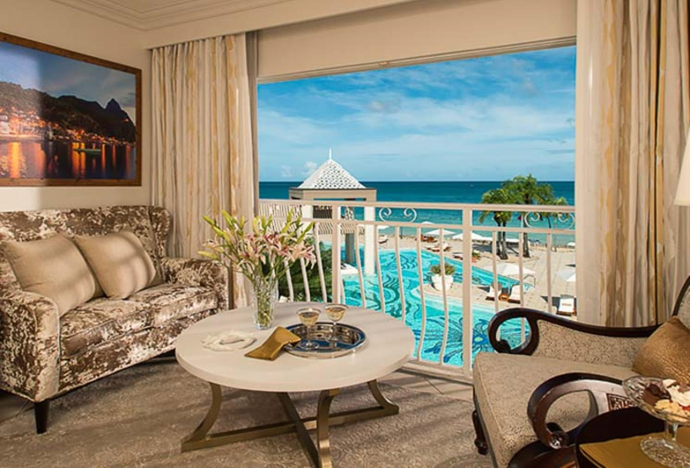 LO - Honeymoon Luxury Oceanview Room