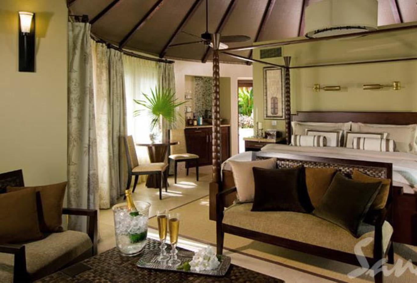 Grande Rondoval Butler Suite with Private Pool Sanctuary - RP 2