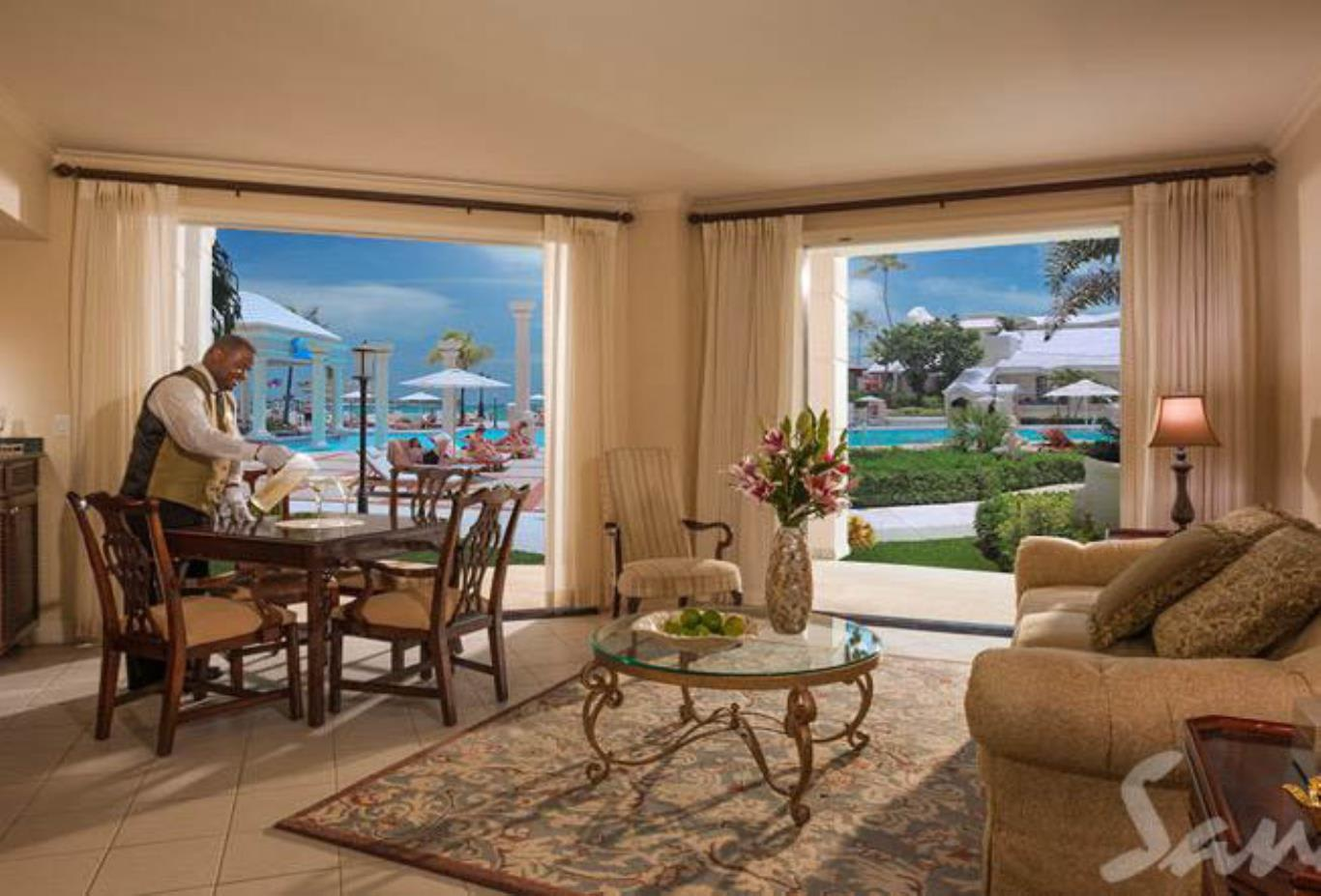Windsor Oceanfront Walkout One Bedroom Butler Royal Suite