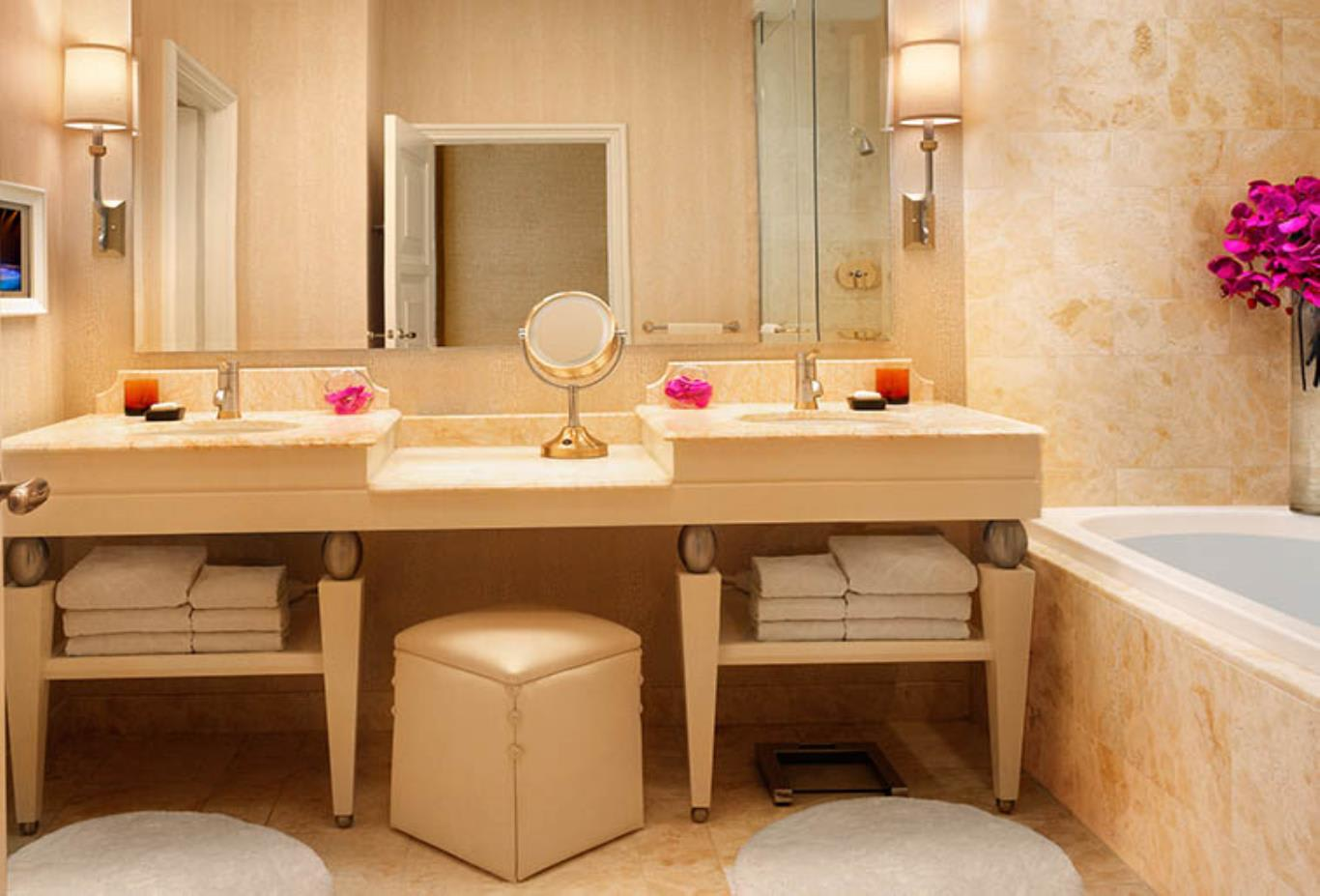 Deluxe Resort Room Bathroom