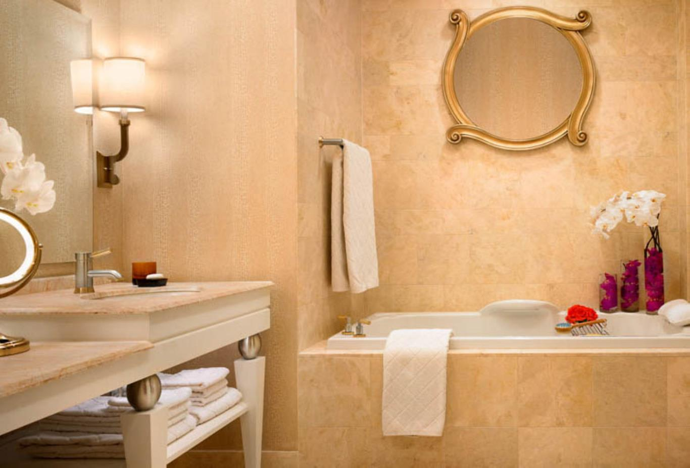 Wynn Execuitive Suite Bathroom