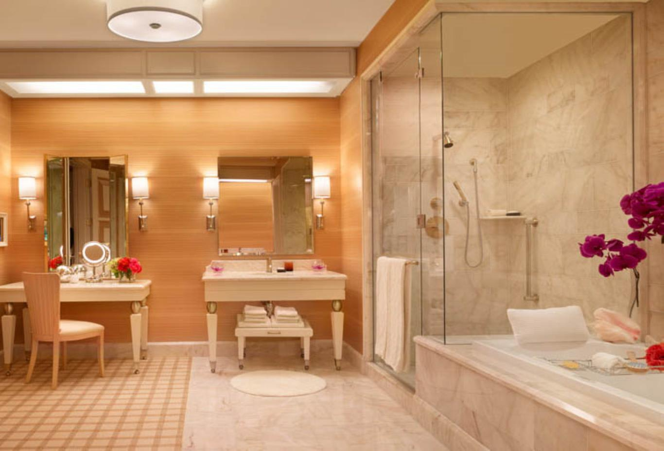 Wynn Parlor Suite Bathroom