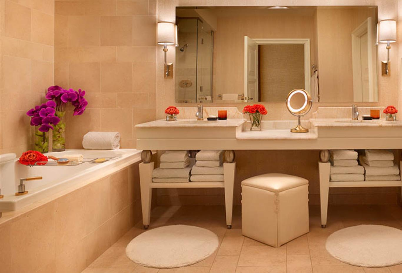 Wynn Tower Double Suite Bathroom