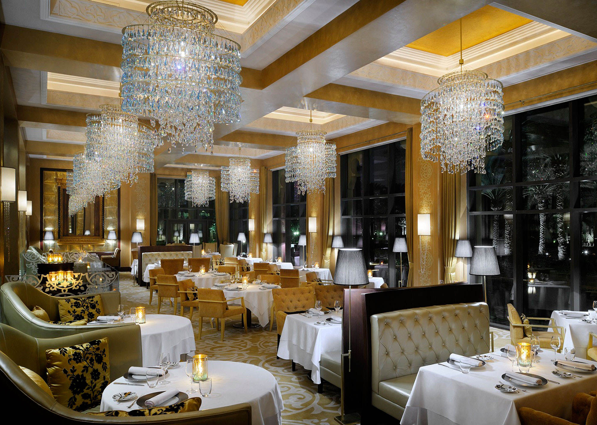 The-Palace--Celebrities-Restaurant