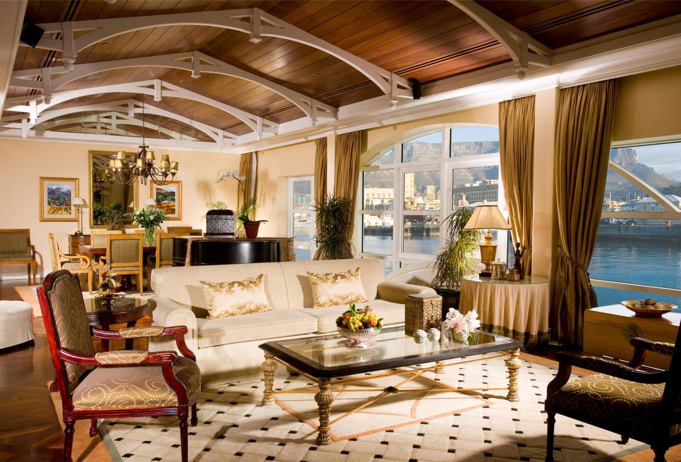 Table-Mountain-Suite-lounge