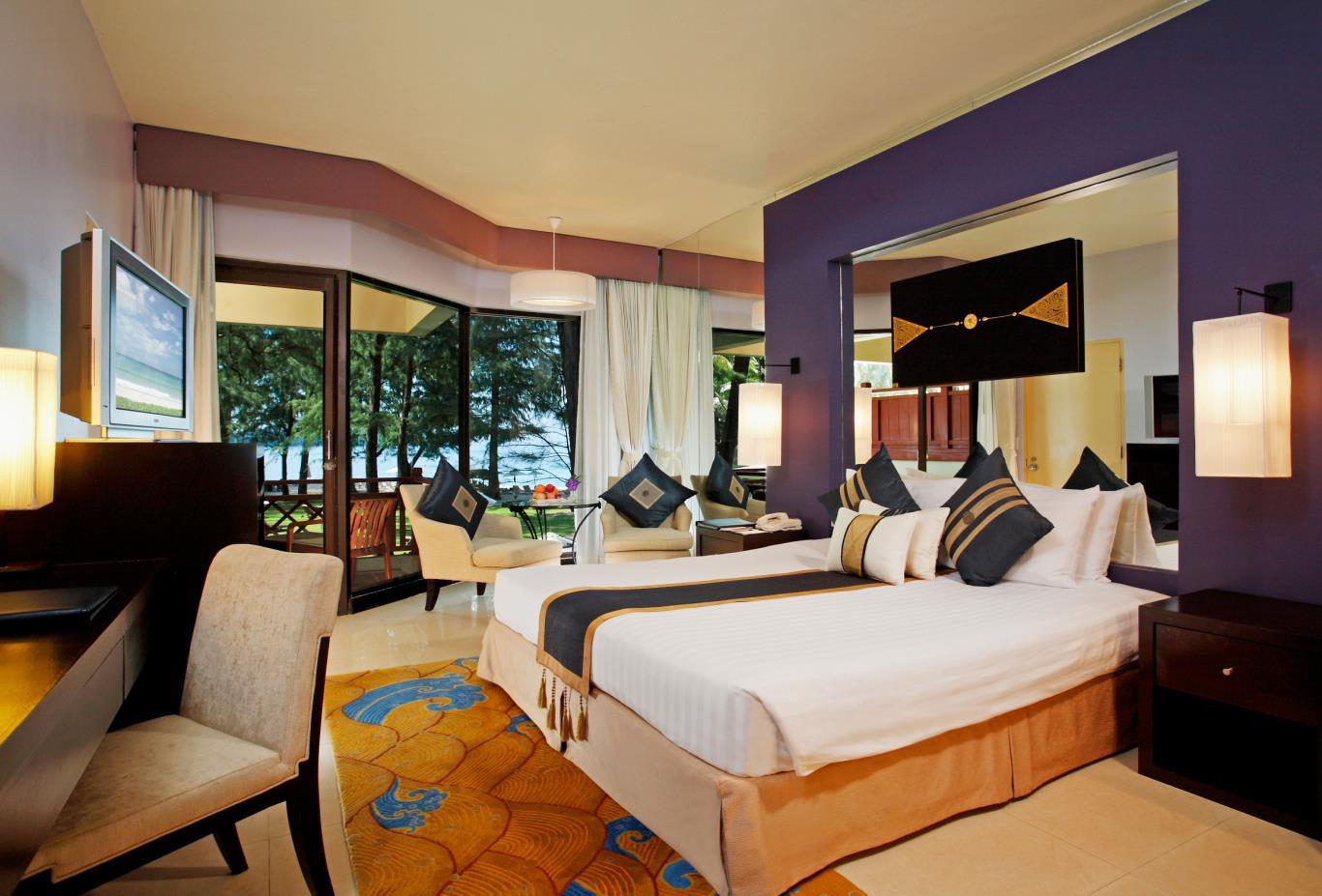 Deluxe Ocean Front View Room