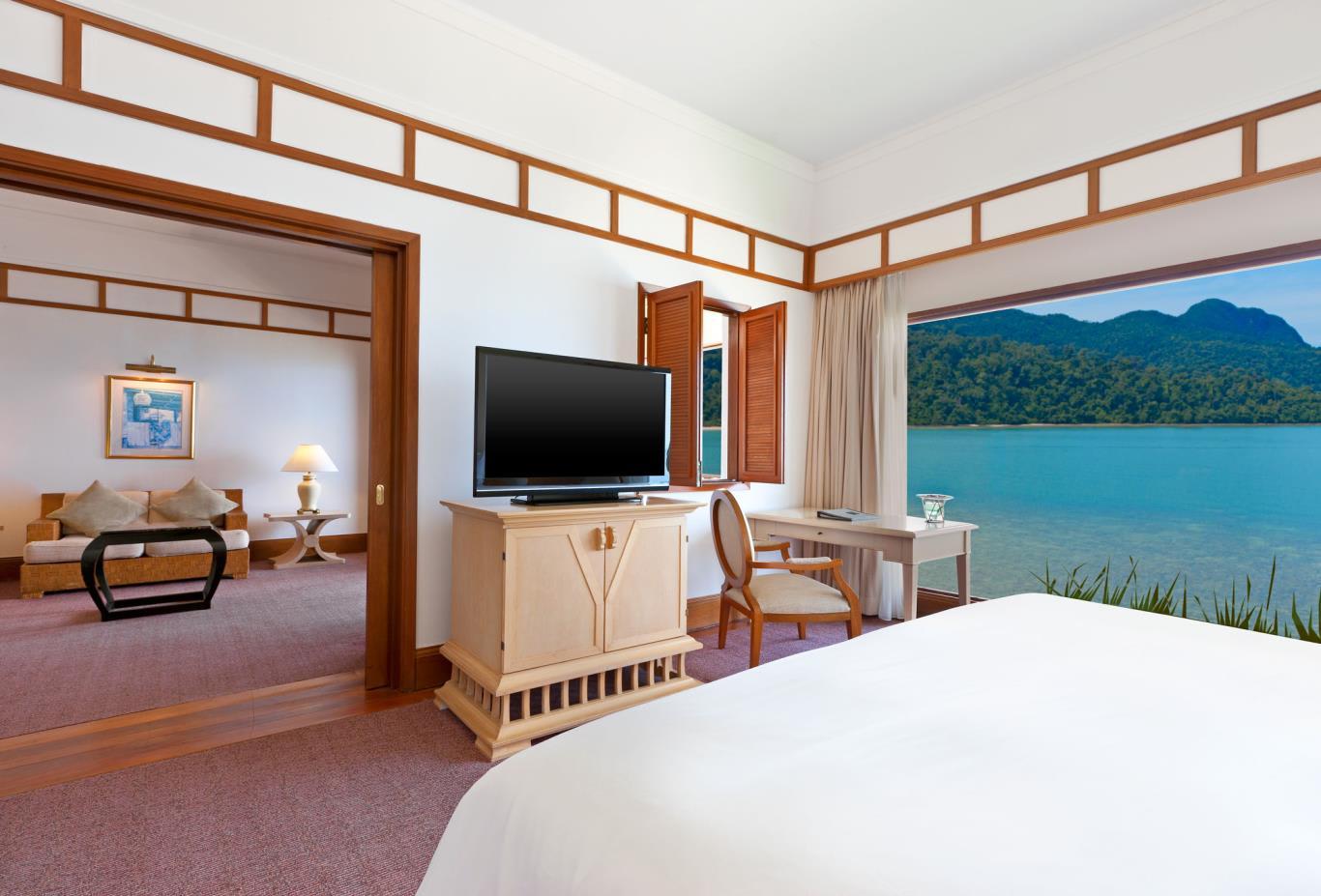 Exec Sea View Suite