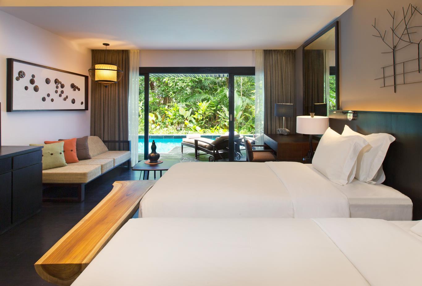 Luxury-Pool-Access-Room