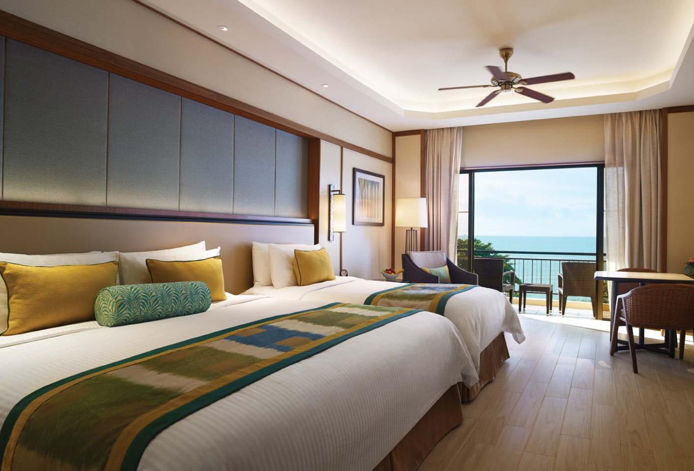 Superior-Family-Seaview-Room
