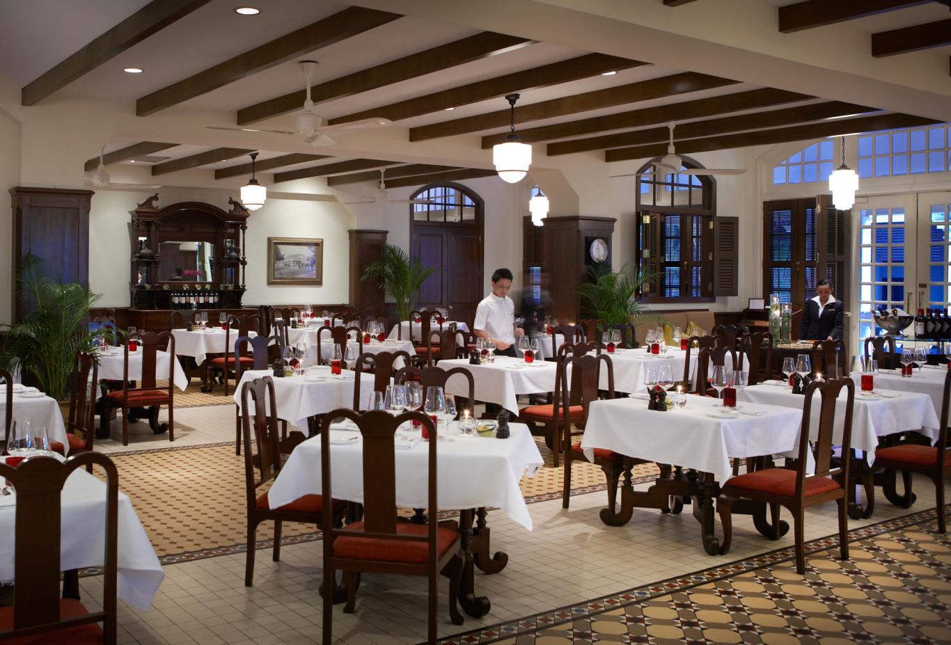 Long-Bar-Steakhouse