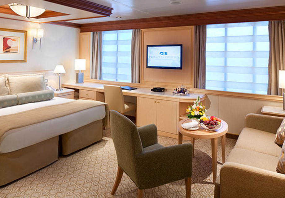 Golden Princess - Rooms - Suite with Window