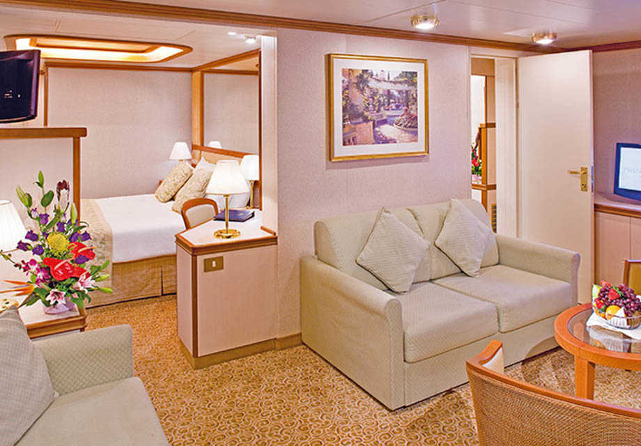 Golden Princess - Rooms - Family Suite with Balcony