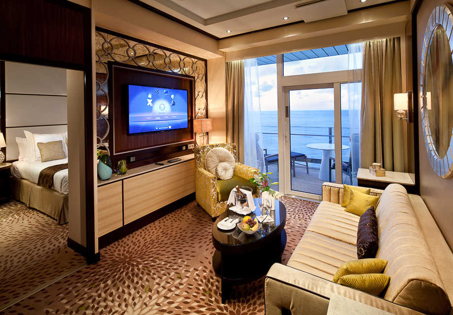 Celebrity Reflection - Rooms - Signature Suite - Living area