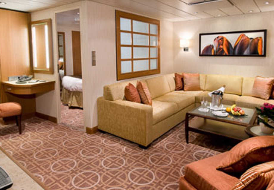 Celebrity Reflection - Rooms - Celebrity Suite
