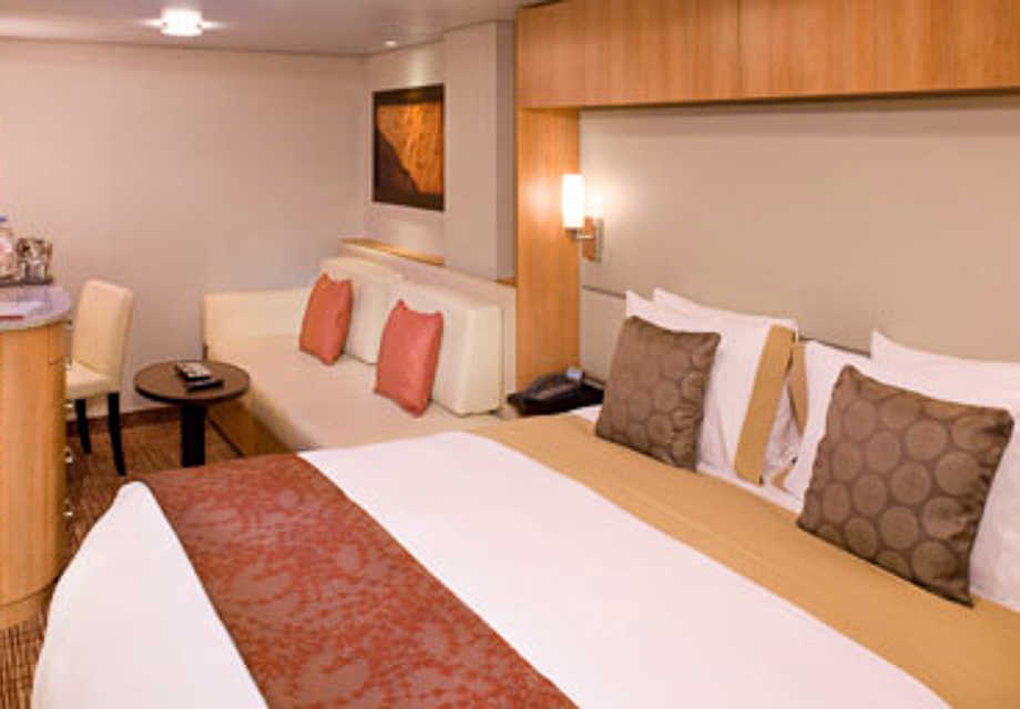 Celebrity Reflection - Rooms - Inside Stateroom