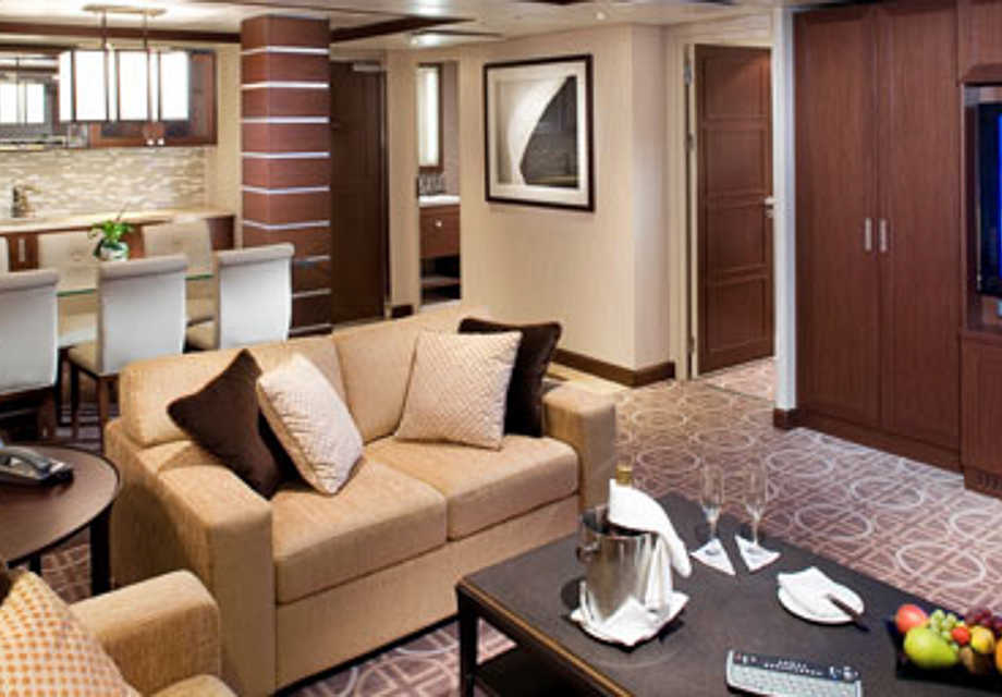 Celebrity Solstice - Rooms - Royal Suite