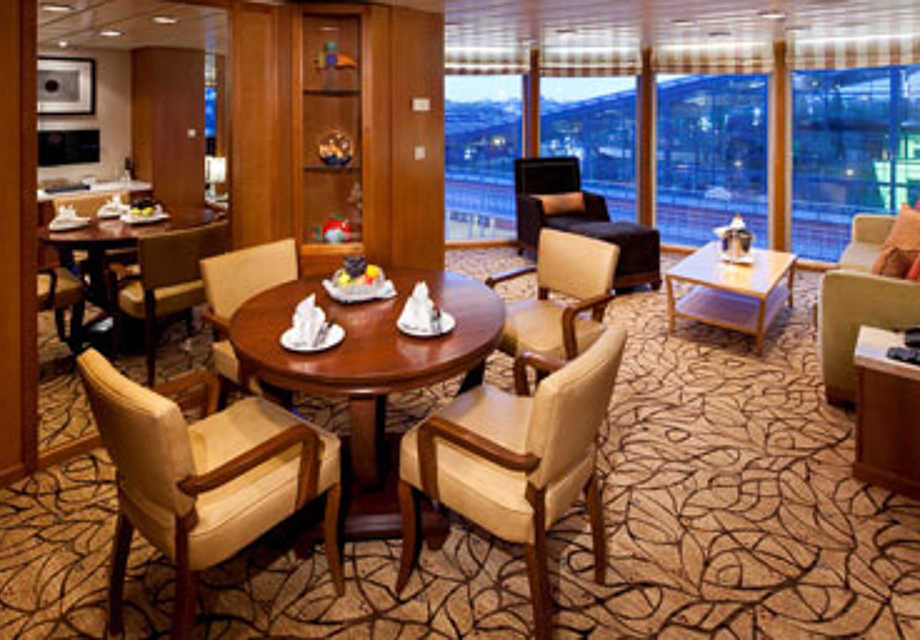 Celebrity Summit - Rooms - Celebrity Suite