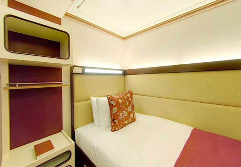Single-Inside-Cabin