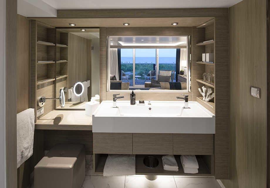 Skysuites2-bathroomuse